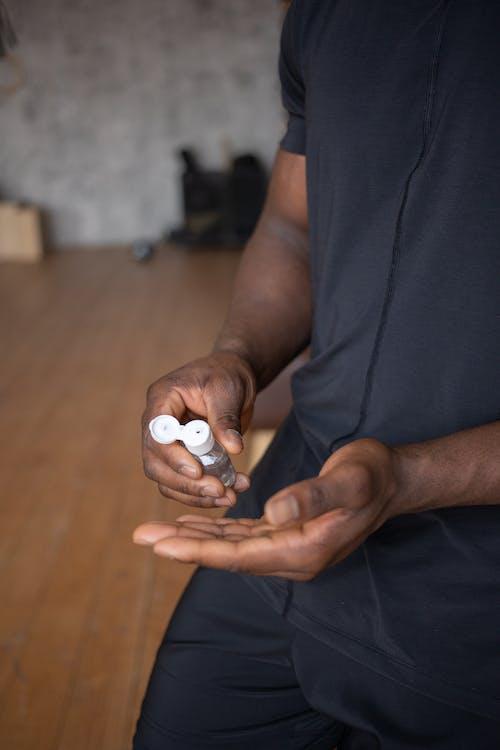 Foto profissional grátis de afro-americano, anônimo, antibacteriano