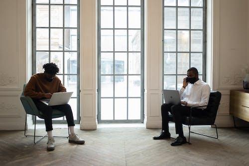 Безкоштовне стокове фото на тему «covid, афро-американських чоловіків, бізнесмен»
