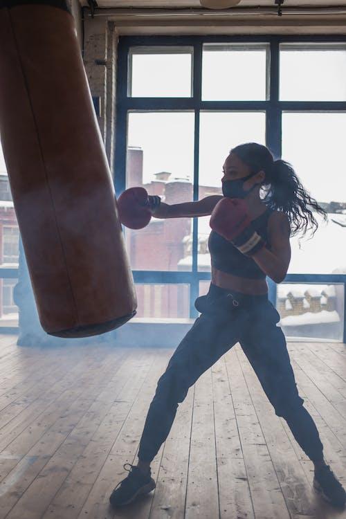 Ingyenes stockfotó ablak, afro-amerikai nő, aktív témában