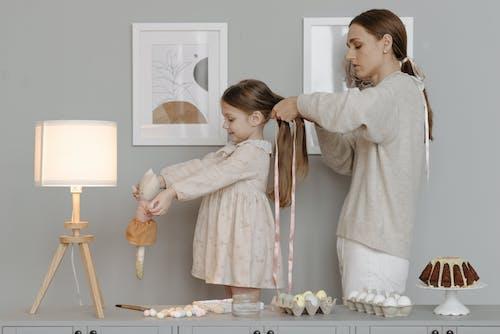 Gratis stockfoto met affectie, binden, dochter