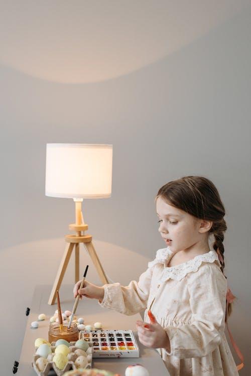 Бесплатное стоковое фото с акварельные краски, вертикальный выстрел, девочка