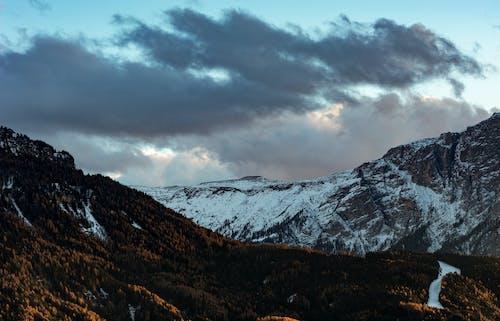 Darmowe zdjęcie z galerii z chmury, góra, jasny, krajobraz