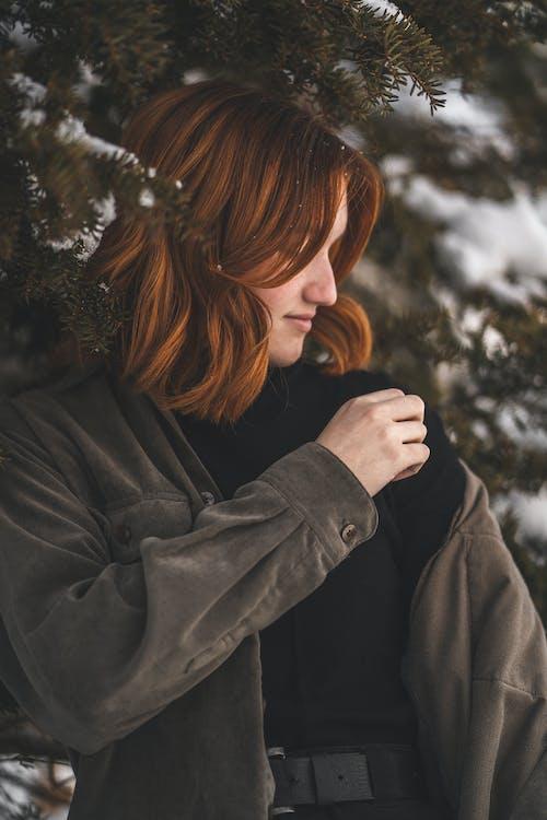 Бесплатное стоковое фото с Взрослый, вьющиеся волосы, девочка