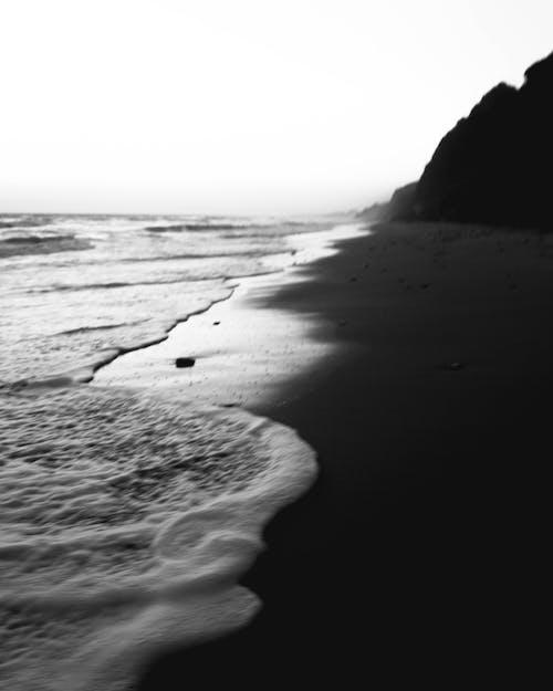 Fotos de stock gratuitas de amanecer, arena, blanco y negro