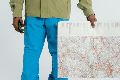 Fotobanka sbezplatnými fotkami na tému človek, držanie, kompas