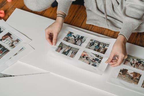Foto profissional grátis de adesivo, álbum, ambiente de trabalho