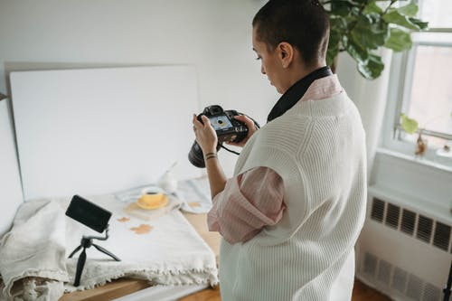 Безкоштовне стокове фото на тему «copy space, браслет, вид ззаду»