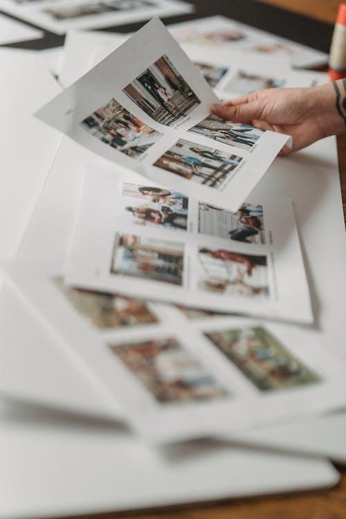 Fotos de stock gratuitas de adentro, álbum, anónimo