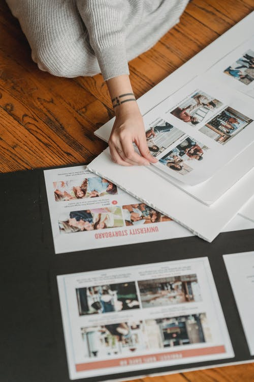 Fotos de stock gratuitas de adentro, afición, álbum