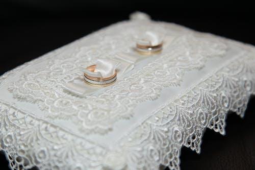 Gratis lagerfoto af ægteskab, blonder, bryllup ceremoni