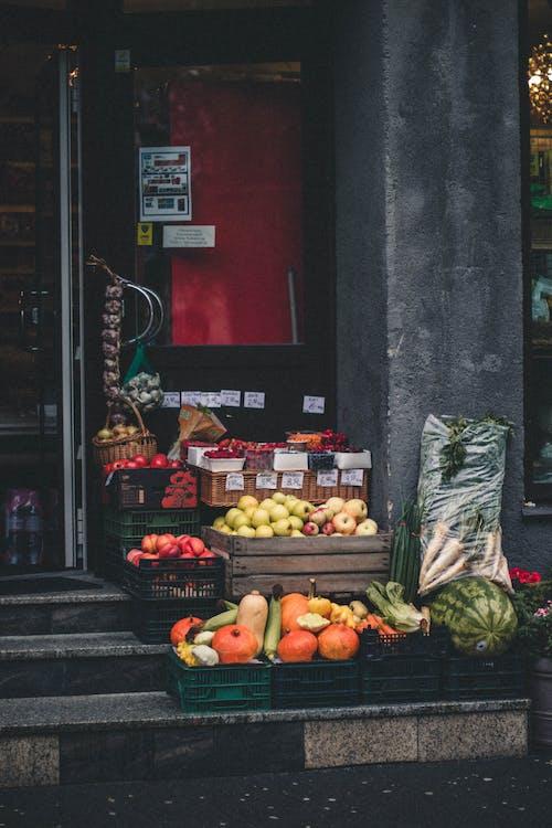 Бесплатное стоковое фото с apple, дневной свет, еда, лестница