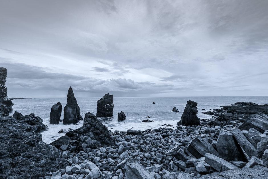 Ocean Near Grey Form Stone