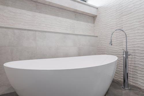 Kostenloses Stock Foto zu architektur, bad, badewanne