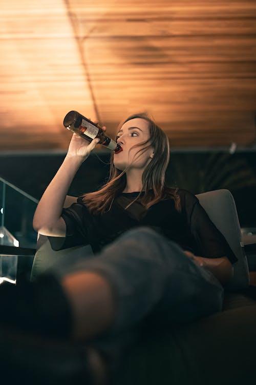 Gratis arkivbilde med drikke, fritid, innendørs