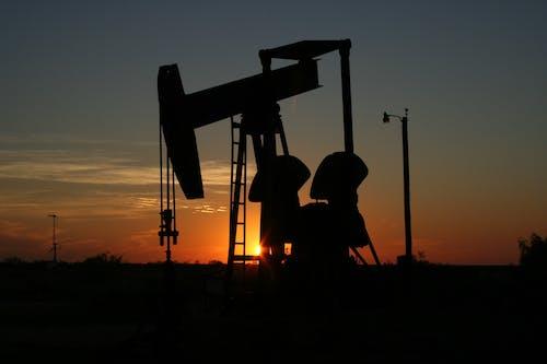 Základová fotografie zdarma na téma benzín, fosilní palivo, obloha, olej