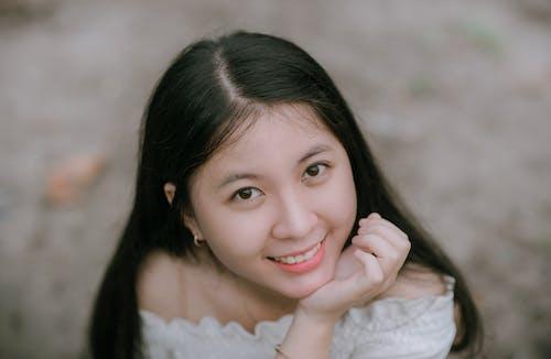 Gratis stockfoto met aantrekkelijk mooi, Aziatische vrouw, blurry achtergrond, fashion