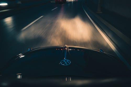 Безкоштовне стокове фото на тему «авто, автомобіль, автомобільний, автомобільні вогні»