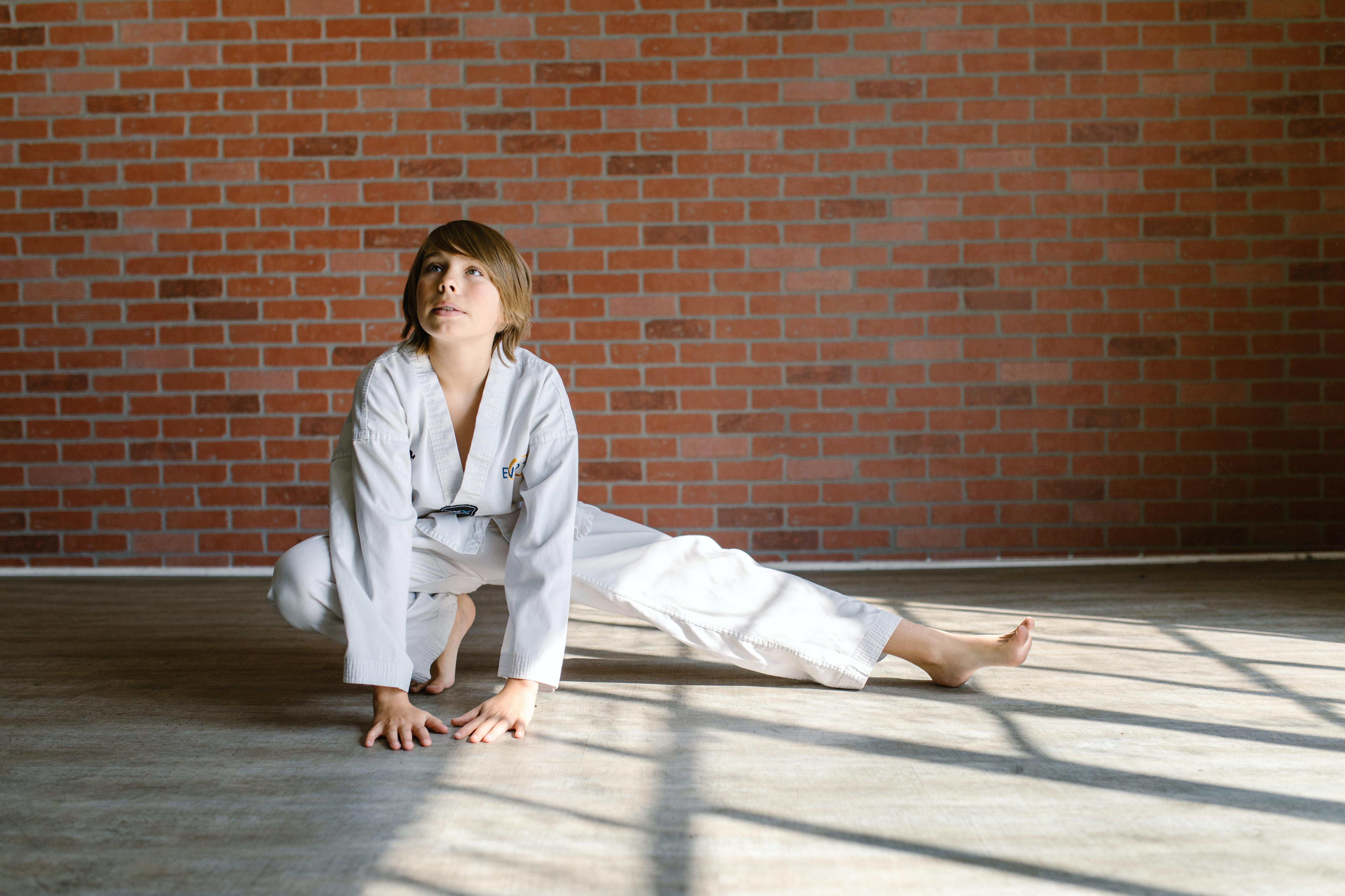 Un enfant pratiquant le judo. | Photo : Pexel