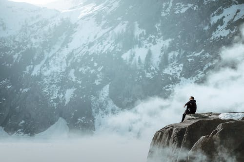 Photos gratuites de action, alpiniste, au dessus des nuages