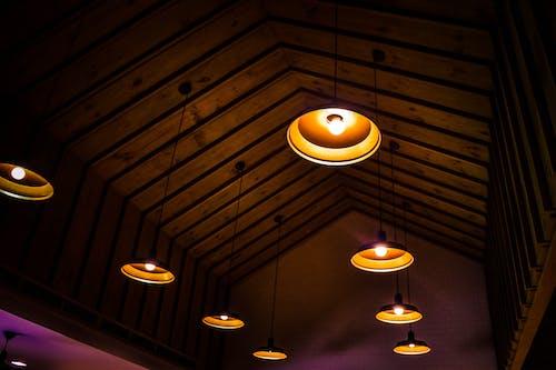 aydınlatılmış, dizayn, iç mekan, ışıklar içeren Ücretsiz stok fotoğraf