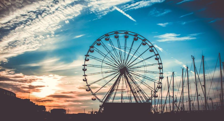 Ferris Wheel and Ship