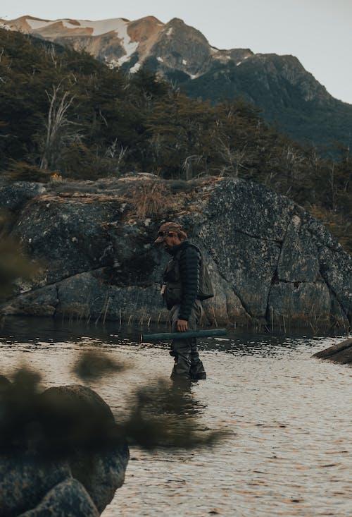 Безкоштовне стокове фото на тему «відпочинок, вода, гора»