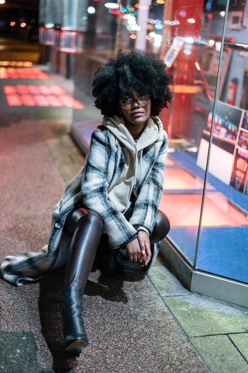 Foto profissional grátis de abrigo, afro, agasalho