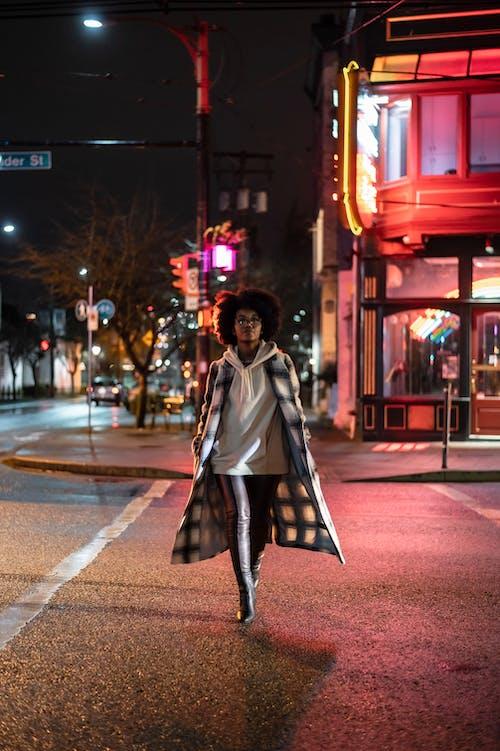 Gratis stockfoto met afro, afro kapsel, Afro-Amerikaanse vrouw