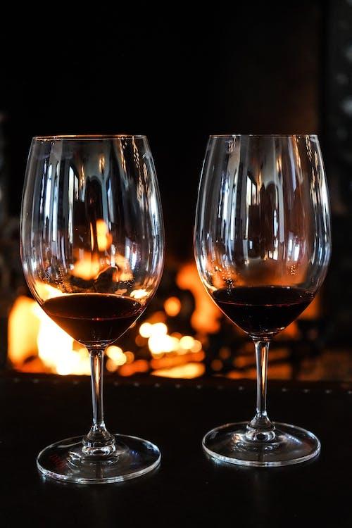 Darmowe zdjęcie z galerii z alkohol, bar, białe wino