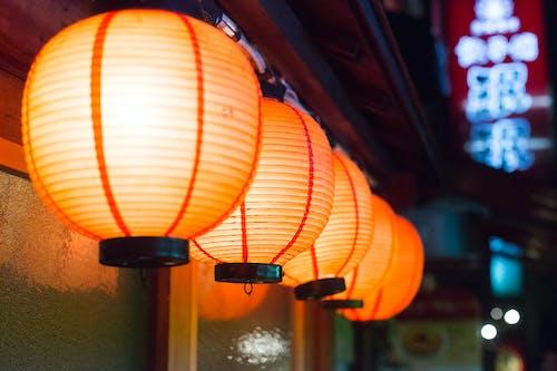 Ilmainen kuvapankkikuva tunnisteilla japani, kirkas, koristeilla, kuvan syvyys