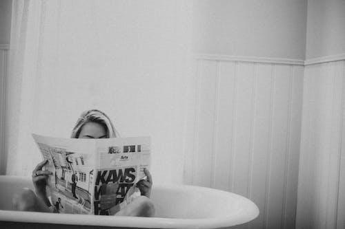 Бесплатное стоковое фото с newpaper, в помещении, Ванна