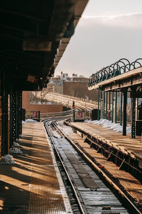 Gratis lagerfoto af afgang, bane, beton