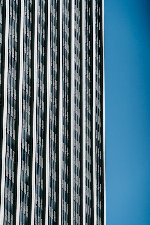 Ilmainen kuvapankkikuva tunnisteilla alhaalta, arkkitehtuuri, auringonvalo