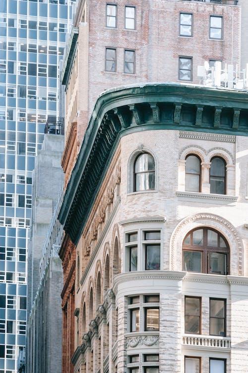 Immagine gratuita di alloggiamento, alto, angolo basso