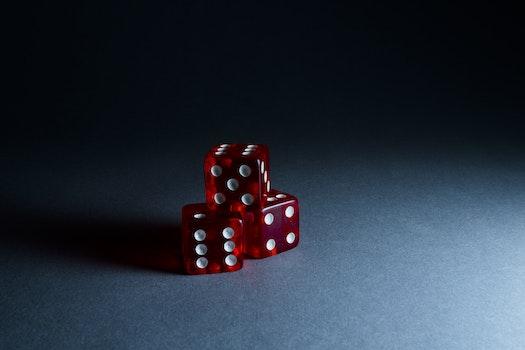 Kostenloses Stock Foto zu rot, glück, spiel, würfel