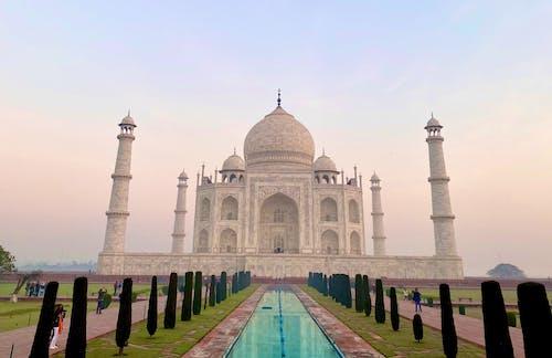 Taja Mahal during Evening