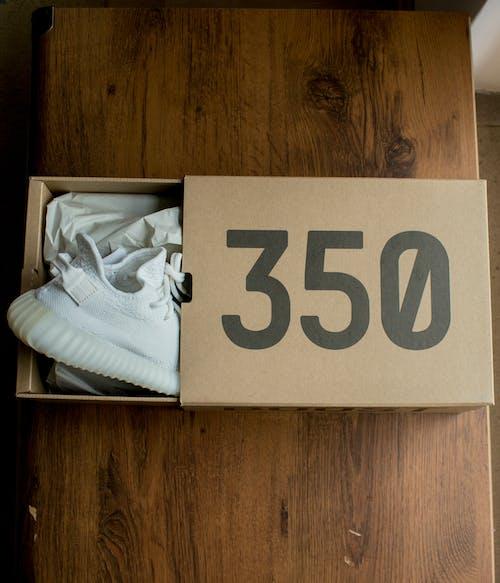 Ingyenes stockfotó #sneakers #yeezy #kanye #hype #boost #adidas témában