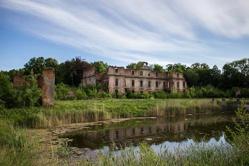 Ingyenes stockfotó #ég, #elhagyatott, #palota, #természet témában