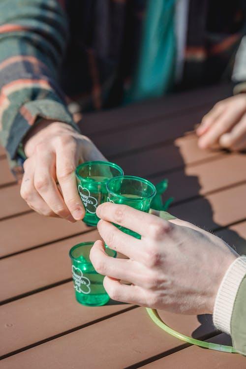 Darmowe zdjęcie z galerii z alkohol, bar, brzęk