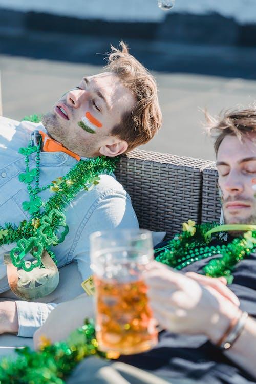 Foto profissional grátis de acontecimento, adormecido, álcool