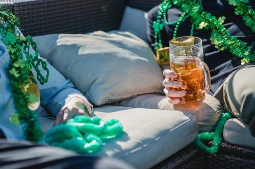 Základová fotografie zdarma na téma ale, alkohol, anonymní