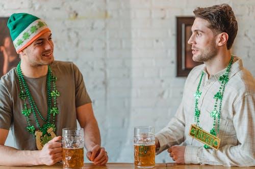 Immagine gratuita di alcolici, allegro, amichevole