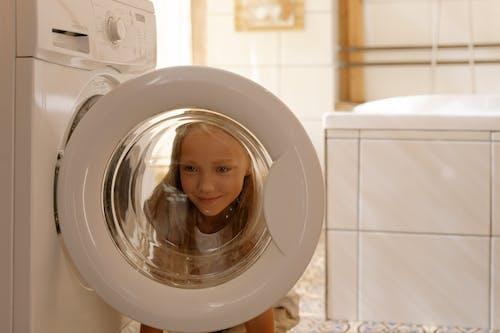 Kostnadsfri bild av badrum, barn, flicka