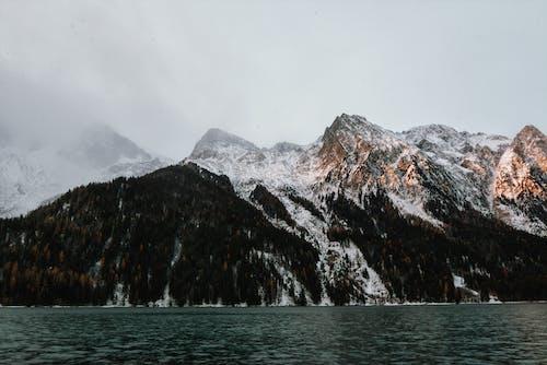 Foto stok gratis air, batu, danau, di luar rumah