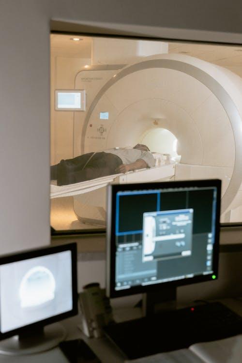 Kostenloses Stock Foto zu analyse, angestellte im gesundheitssektor, ausrüstung