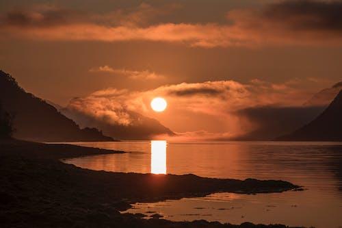 Безкоштовне стокове фото на тему «Арктика, вечірнє сонце, горизонт, море»
