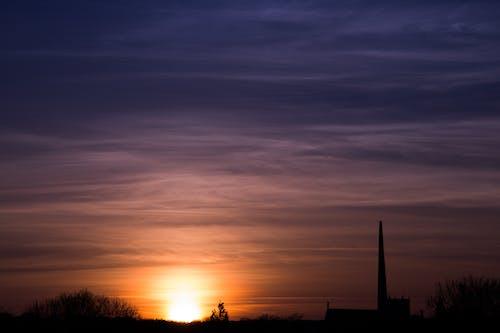 Immagine gratuita di alba, chiesa, estate, skyline