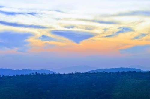 Fotos de stock gratuitas de cielo azul, nube, primera hora de la mañana