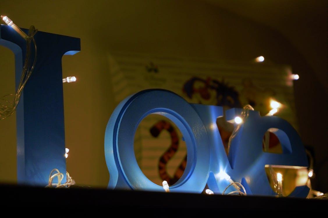 Sinalização De Madeira Blue Love