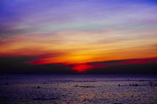 Безкоштовне стокове фото на тему «вечір, вода, Захід сонця, кольори»